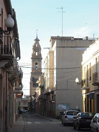 Bonrepòs i Mirambell - Image: Bonrepòs i Mirambell. Església i carrer Major