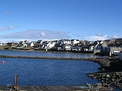 Bowmore from the pier looking east - geograph.org.uk - 307029.jpg