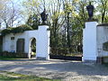 Brama główna na Stary Cmentarz Żydowski we Wrocławiu.JPG