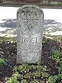Brouviller (Moselle) borne fleurdelisé 1661.jpg
