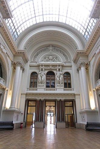 Brussels Stock Exchange - Image: Bruxelles, Palais de la Bourse et Cariatides, journées du Patrimoine panoramio