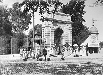 Buenos Aires Zoo - The entrance of the zoo in the corner of Avenida Sarmiento and Avenida del Libertador, circa 1890s.