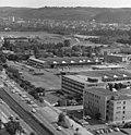Bundesarchiv B 145 Bild-F025360-0004, Bonn, Blick vom Hochhaus im Tulpenfeld.jpg