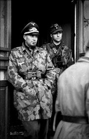 Bundesarchiv Bild 101I-575-1807-31A, Italien, Fallschirmjäger, Hauptmann Walter Gericke