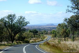 Burnett Highway - Image: Burnett Highway, near Binjour QLD 1