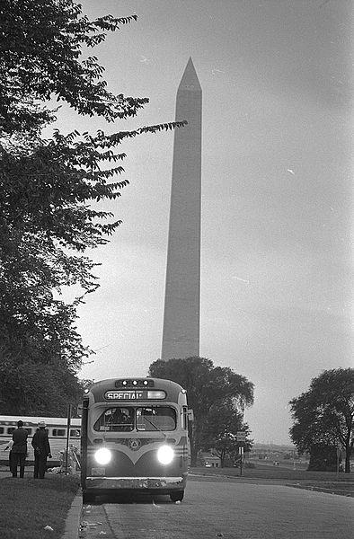 File:Bus leaving near the Washington Monument.jpg