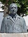 Busto de Julio Camba. Savador Amaya. Vilanova de Arousa. Galiza V01.jpg
