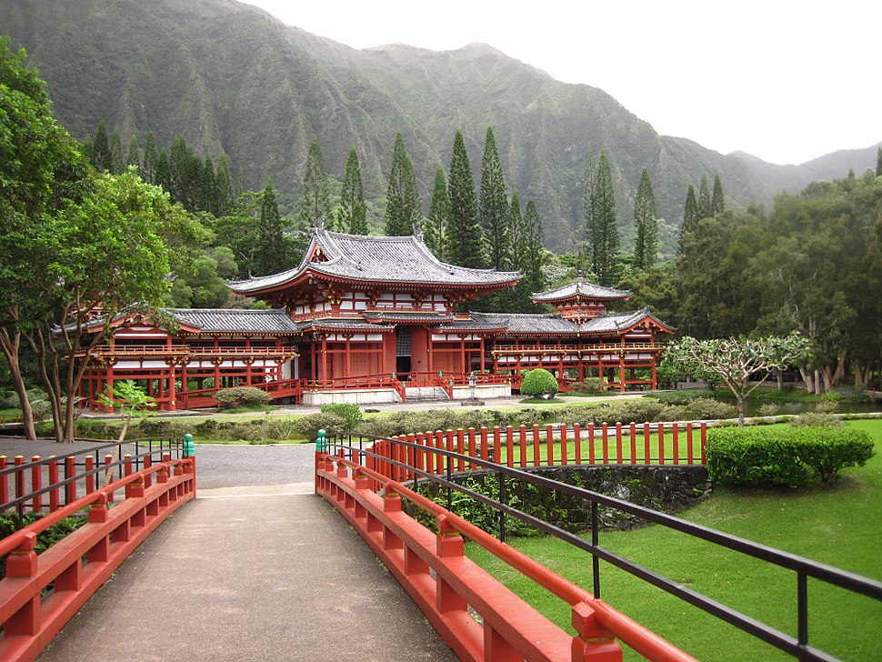 Byodo-In temple at Valley of the Temples Memorial Park