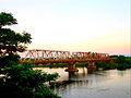 Cầu sắt Thạch Hãn.jpg