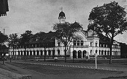 COLLECTIE TROPENMUSEUM Het hoofdkantoor van de Nederlands-Indische Spoorweg Maatschappij in Semarang TMnr 60026221.jpg