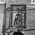 Camer van Charitaten, beeldengroep 1614 - Delft - 20050402 - RCE.jpg