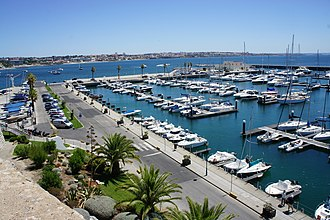 Cascais Marina - Cascais Marina has over 650 mooring stations, 125 of which are reserved for short stopovers.