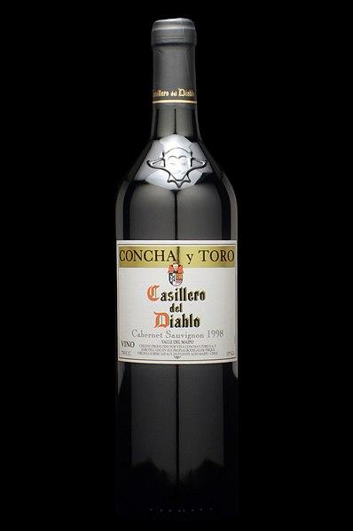 [Chili] - le vignoble chilien  398px-Casillero_del_Diablo_wine