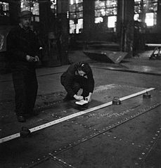 Cecil Beaton Photographs- Tyneside Shipyards, 1943 DB29.jpg