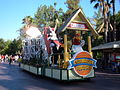 Celebration Parade, Six Flags Magic Mountain 2007-07 3.JPG