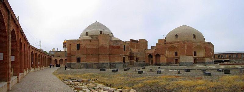 http://upload.wikimedia.org/wikipedia/commons/thumb/b/b7/Chalderan-war_soldiers_tomb_Ardabil%2CIran_taken_by_Arashk_Rajabpour.JPG/800px-Chalderan-war_soldiers_tomb_Ardabil%2CIran_taken_by_Arashk_Rajabpour.JPG