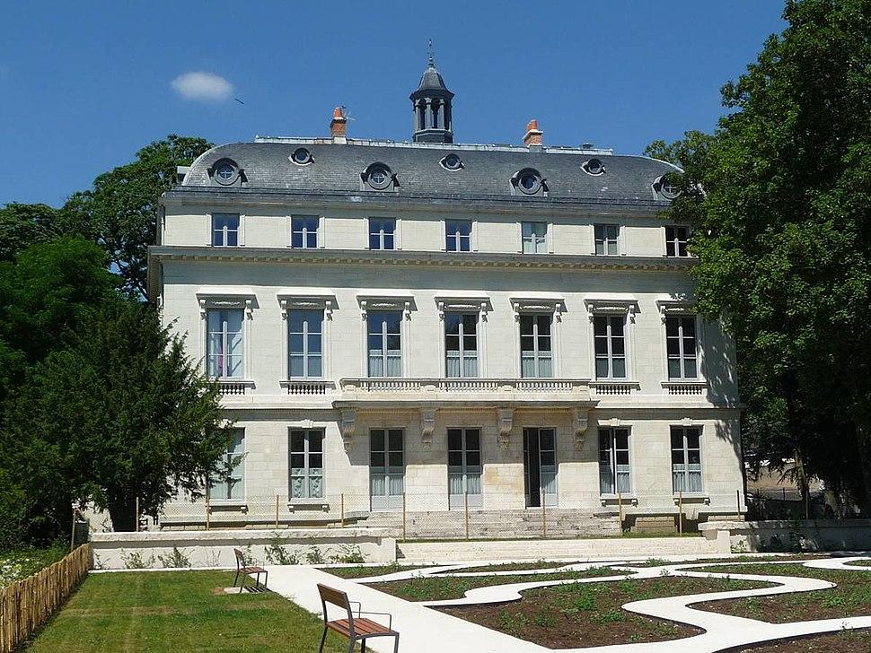 Chateau de la Motte Sanguin