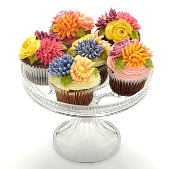 Buttercream - Cupcakes with colored buttercream decorations