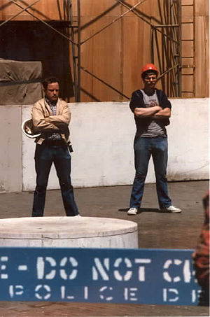 Strikebreaker - Strikebreakers outside the Chicago Tribune during a 1986 strike