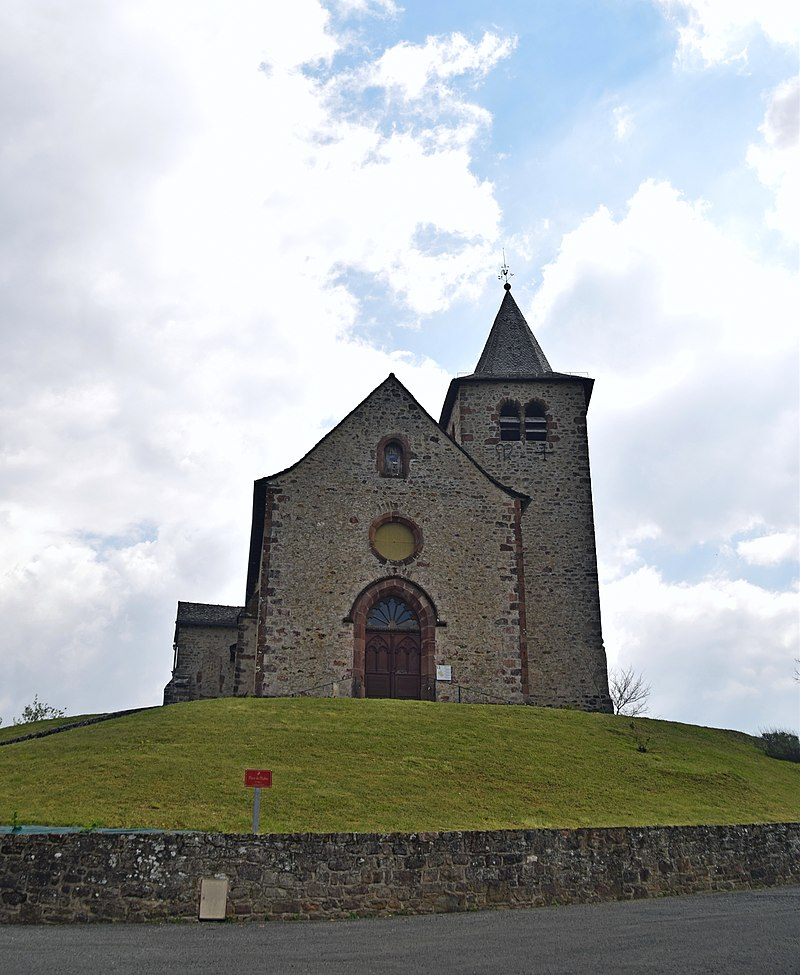 Church Saint-Maurice of Auzits 04.jpg