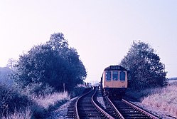 Class 117 at Welford Park railway station (1969).JPG
