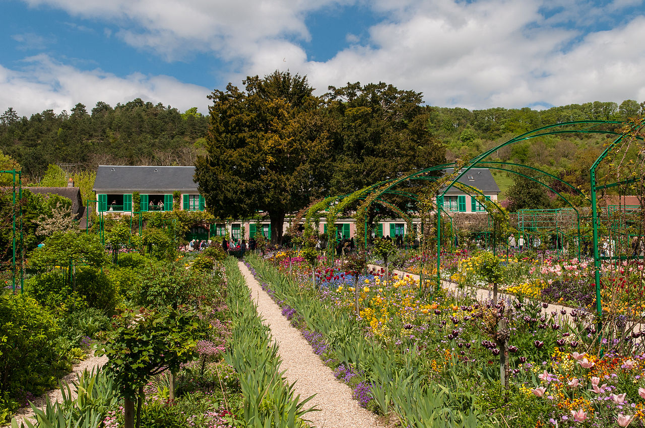 File claude monet house and garden in giverny 8741496041 for Monet house