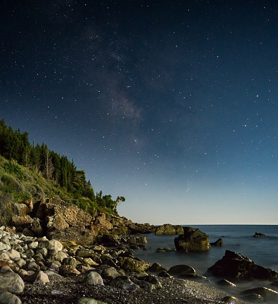 File:Coast at night.jpg