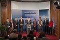 Comparecencia del Gobierno Vasco tras celebrar su Consejo de Gobierno en el Palacio Artaza de Lejona-Leioa (4 de mayo de 2010).jpg
