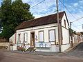 Compigny-FR-89-mairie-02.jpg