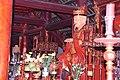 Confucius in his temple in the Temple of Literature (31338333211).jpg