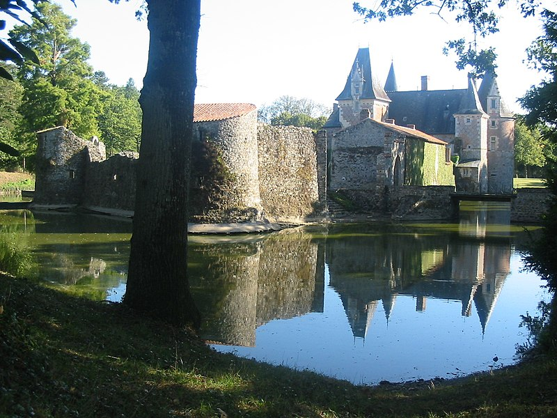 Château du Coudray-Montbault