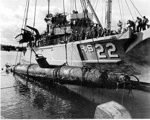 USS Current (ARS-22) - Raising of midget sub from Keehi Lagoon by USS Current in 1960
