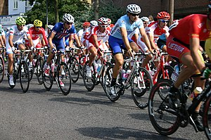 Cycling at the 2012 Summer Olympics – Men's individual road race - The race going through Teddington