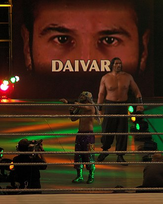 Shawn Daivari - Daivari managed The Great Khali in 2006