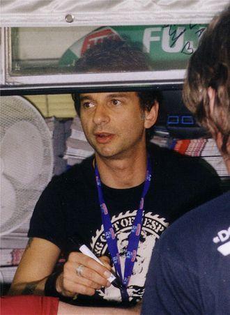 Dave Gahan - Gahan signing autographs in 2003.