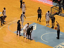 Dean Smith Center com o jogo em session.JPG