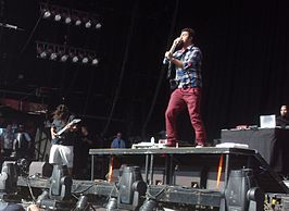 Deftones tijdens Big Day Out, Gold Coast in januari 2011. V.l.n.r.: Stephen Carpenter, Chino Moreno en Frank Delgado.