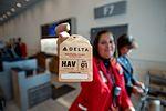 Delta returns to Cuba after 55-year hiatus (30538791374).jpg