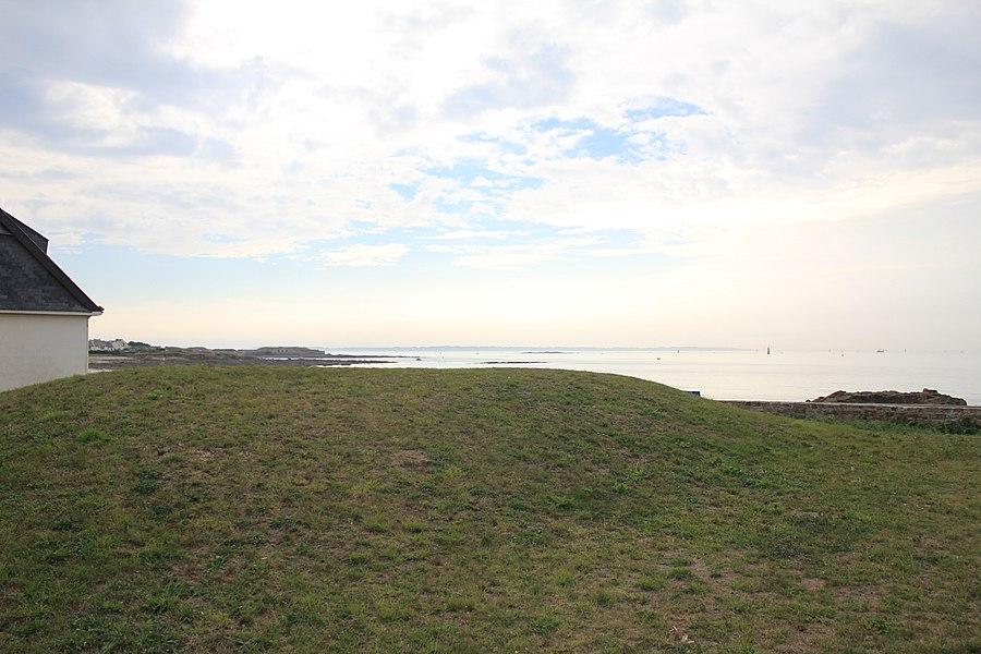 Dolmen de Goëren: vue depuis le nord-est