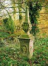 foto van Landgoed Dorth: twee obelisken