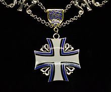 EST Order of the Cross of Terra Mariana collar badge.jpg