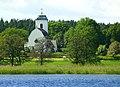 Eds kyrka Edssjön 2015b.jpg