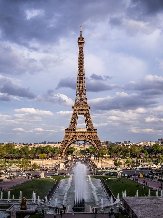 Eiffel Tower 1, Paris may 2013.jpg