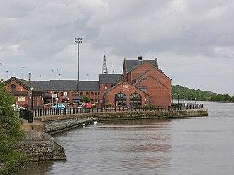 Ellesmere Port - Image: Ellesmere Port canal frontage geograph.org.uk 452590