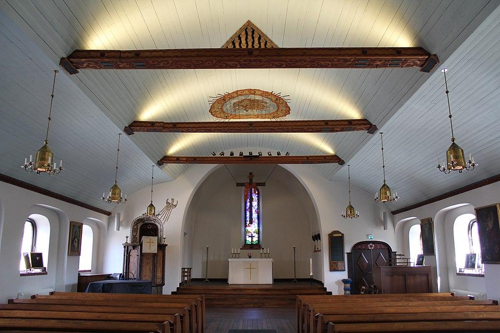 Enskede kyrka 2013a.JPG