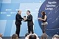 Entrega del Premio Euskadi de Investigación 2016 al astrofísico Agustín Sánchez Lavega 04.jpg