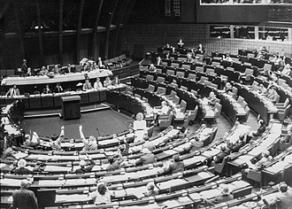 A plenary session in the Palace of Europe in April 1985, in Strasbourg, France. It was the EP's seat until 1999. Europa Parlament 1985.jpg