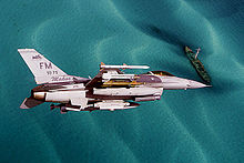 F-16 Fighting Falcon (2151950948).jpg