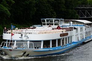 Fahrgastschiff Ernst Reuter Stern & Kreis Berlin.JPG