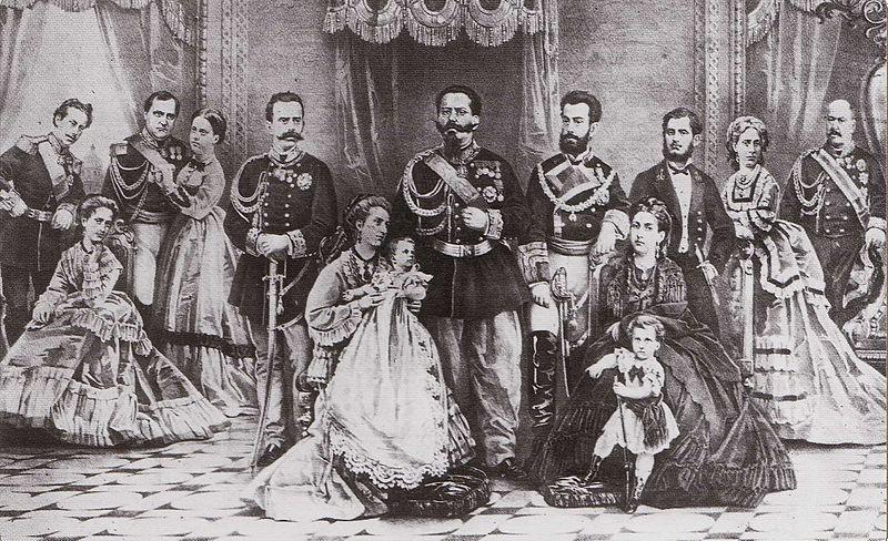File:Famiglia Reale all'epoca di Vittorio Emanuele II.jpg